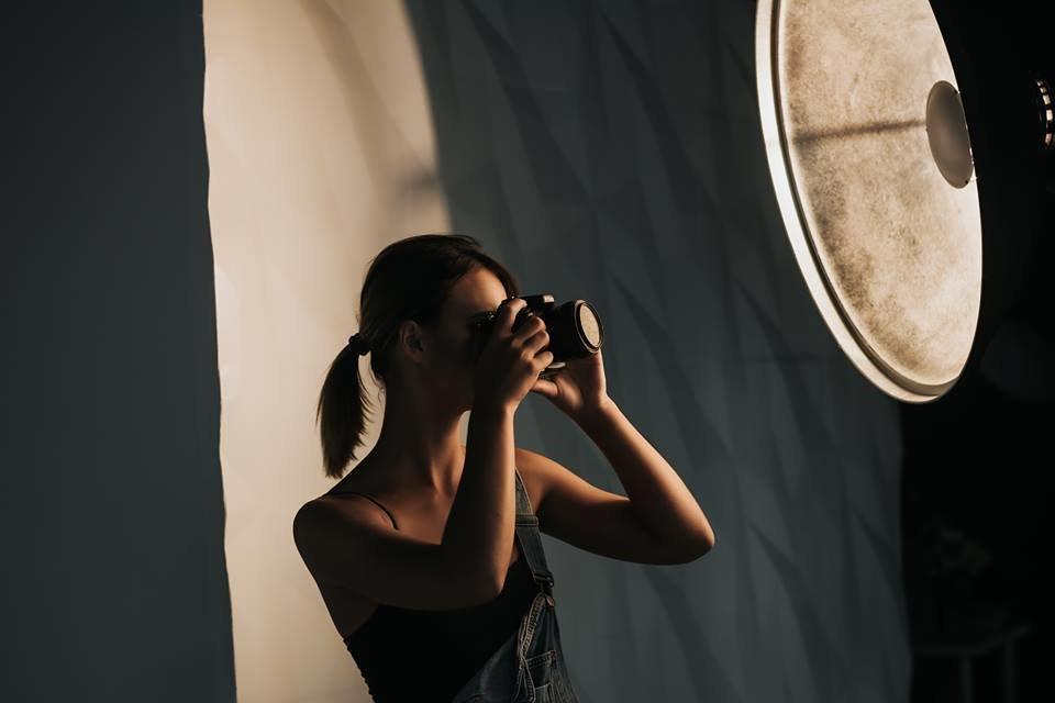 Портретна фотографія з використанням природного та постійного світла Zoom Studio