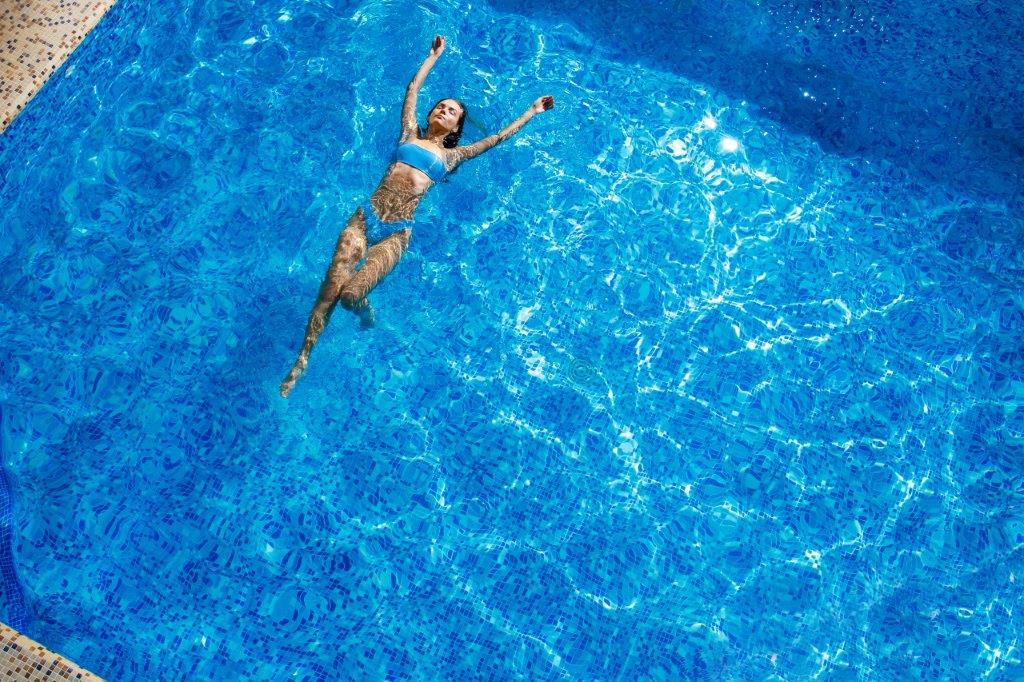 Рекламні фото продукції Zoom Studio